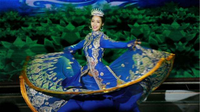 """佟丽娅跳""""顶碗""""舞姿优雅气质十足"""