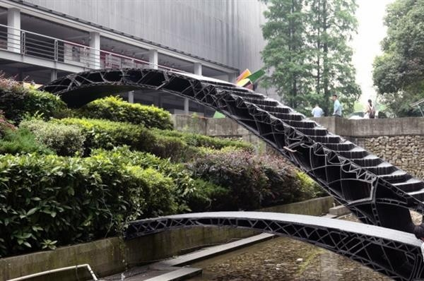 同济大学3D打印国内首个人行天桥:长11米