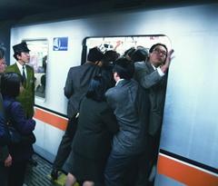 常备防狼武器 在日本遇咸猪手要有态度