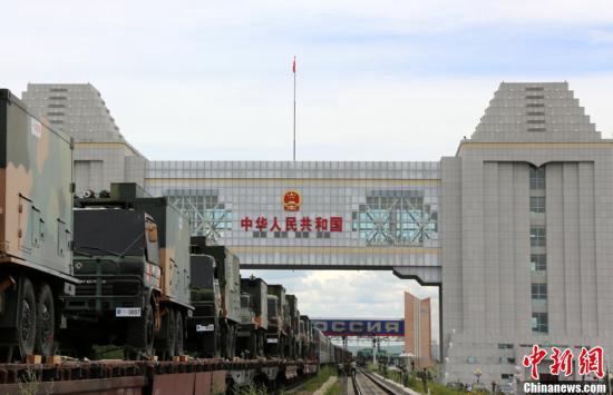 """中国最大陆路口岸:""""火车头""""带旺中俄跨境旅游"""