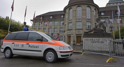 瑞士男子用油锯攻击路人致5伤 警方封锁中心城区