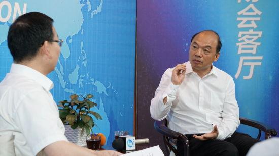 杨建国谈企业投资项目承诺制
