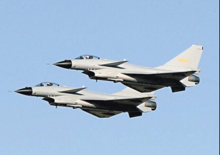 美官员:相距91米!中国战机东海上空拦截美侦察机