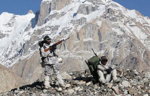 """兵员、后勤大对比 印军凭啥""""与解放军一战""""?"""