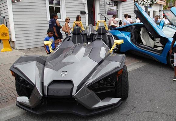 多伦多豪车展:路边停近百辆超级跑车