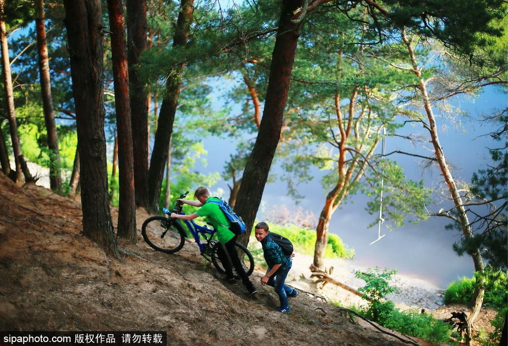 人与自然的完美和谐 行走在俄罗斯纳沃洛基