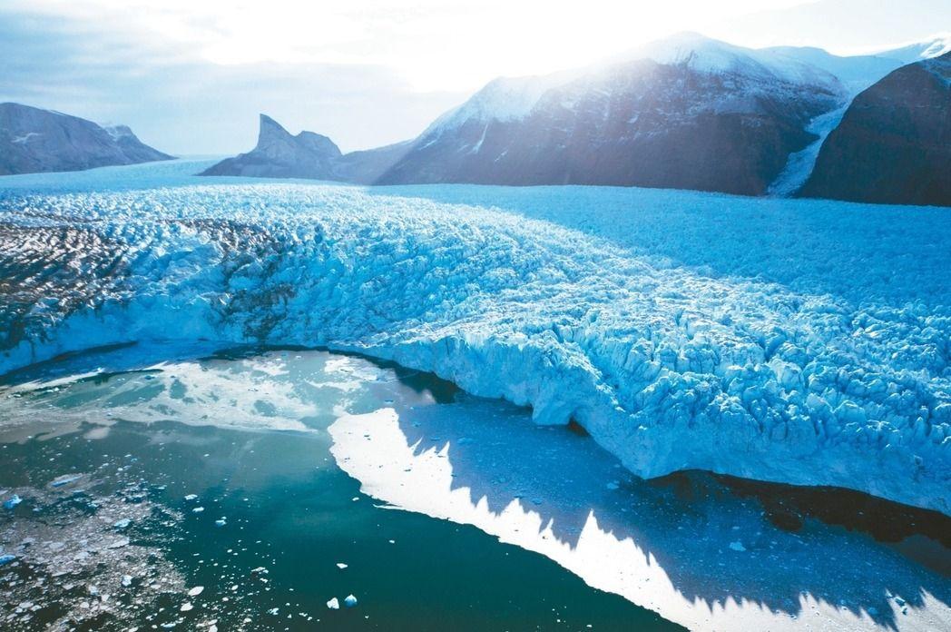 格陵兰冰层或因藻类滋生加速融化 海平面上升超预期