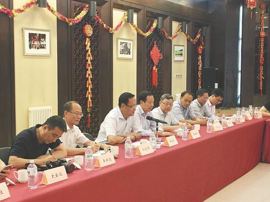 中国统促会副会长张宝文 出席罗马侨界座谈会