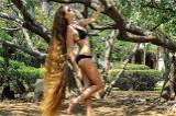 俄女子头发长1.5米14年未剪