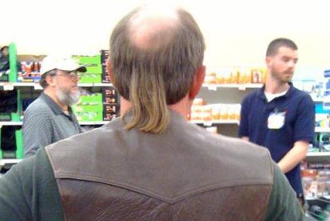 头可断发型不能乱