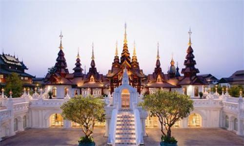 泰国101个外劳登记中心正式启动 办理人数众多
