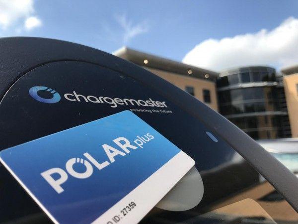 英国最大电动汽车充电网将使用可再生能源供电