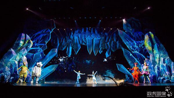 《丁香仙境》音乐剧舞台上的电影语言图片