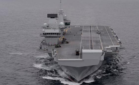 """英国新航母首航就开赴南海 扬言不受中国""""限制"""""""
