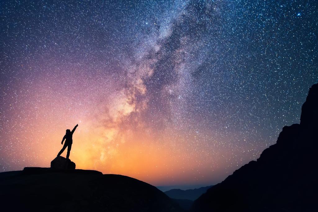 """天文学家发现11光年外""""奇特信号"""":会是外星人吗"""