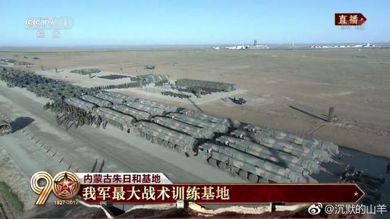 新型东风31AG洲际导弹现身朱日和 射程超1万公里