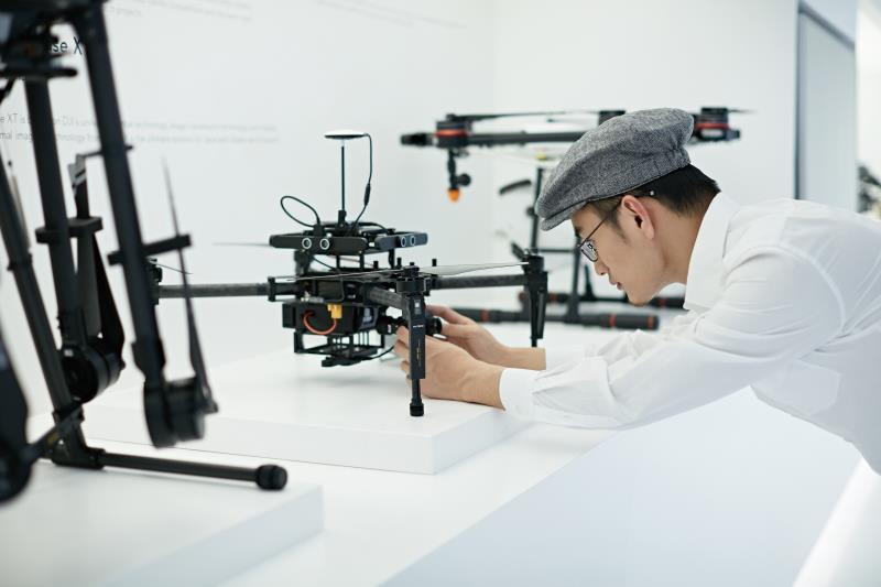"""大疆创新汪滔:""""一禁了之""""的禁飞条例误伤无人机产业"""