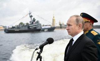 俄阅兵庆祝海军日普京讲话