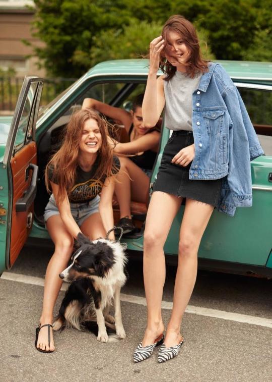 和闺蜜开着车带着狗狗去海滩,旧衫旧比基尼也美且酷!