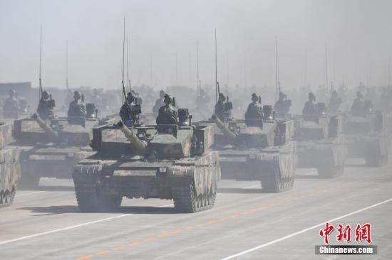 外媒谈中国1.2万人大阅兵:彰显维护和平信心