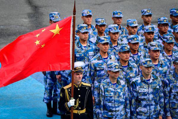 中国海军陆战队亮相2017国际军事竞赛海军比赛环节