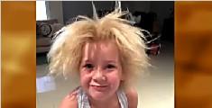 """澳女童患蓬发综合症""""狂野""""金发吸睛无数"""