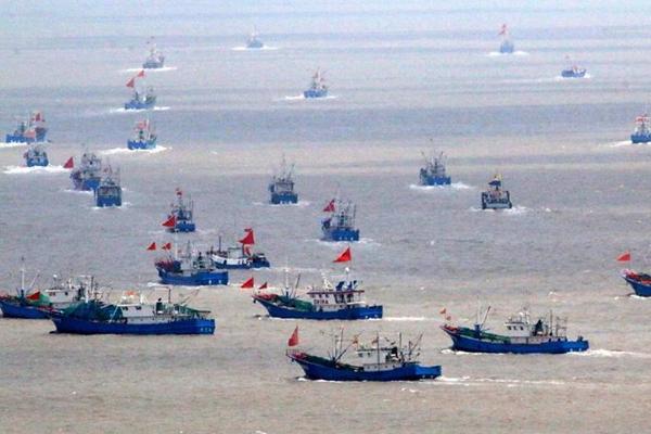 休渔结束 渔船开赴渔场