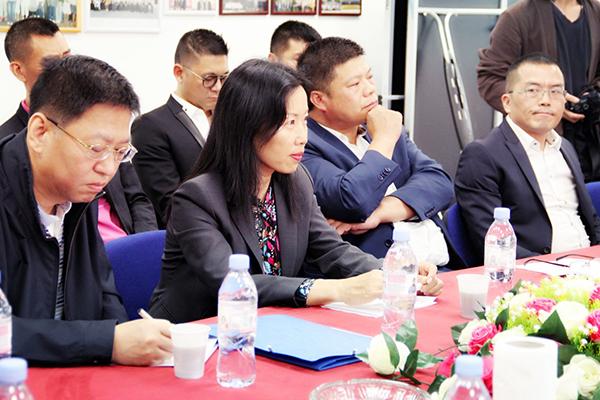 驻法领事官员走访93省华人商圈 与当地华社共话治安、发展与融入