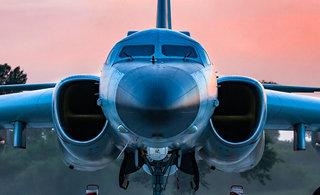 中国精锐战机紧张备战航空飞镖