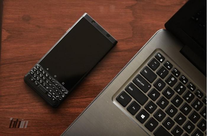 全黑限量版KEYone开箱:4GB+64GB组合