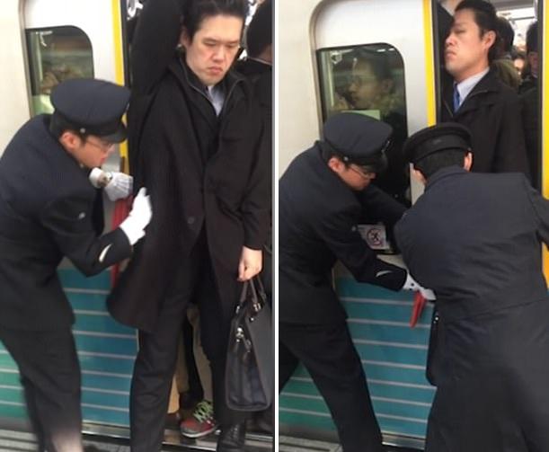 日本男乘客被3名工作人员合力推上地铁 全程淡定自如