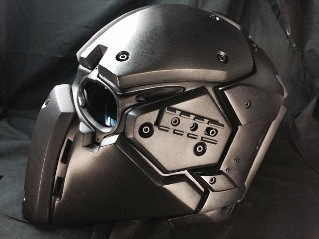 英试验酷似《星球大战》防弹头盔 可抵御子弹