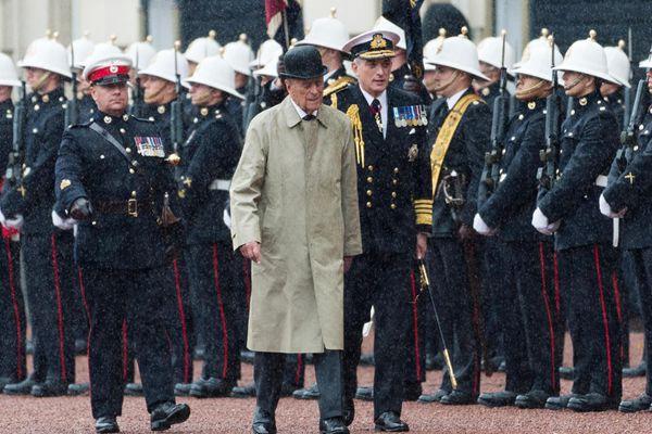 英国菲利普亲王正式退休 结束长达65年公职