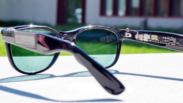 边晒太阳边给移动设备充电?这款太阳眼镜厉害了