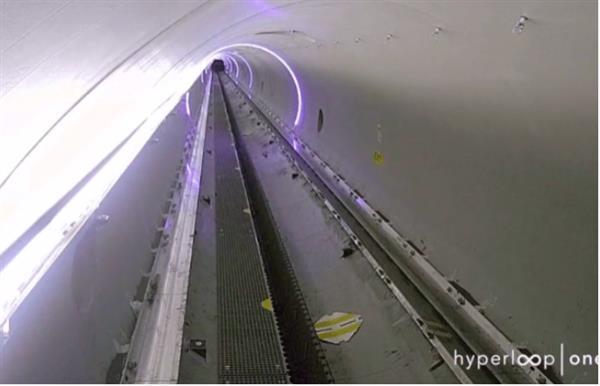 超级高铁创下最高测试速度:310公里/小时