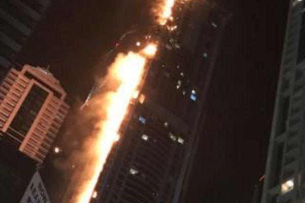 迪拜火炬大厦又起火 系世界最高居民楼之一