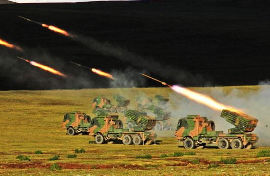 """""""3,2,1,点火!"""",西藏军区某部开展实弹射击演练"""
