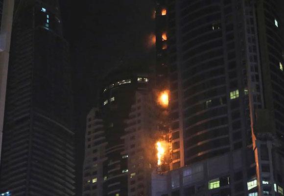 迪拜86层建筑起火 为世界最高居民楼之一
