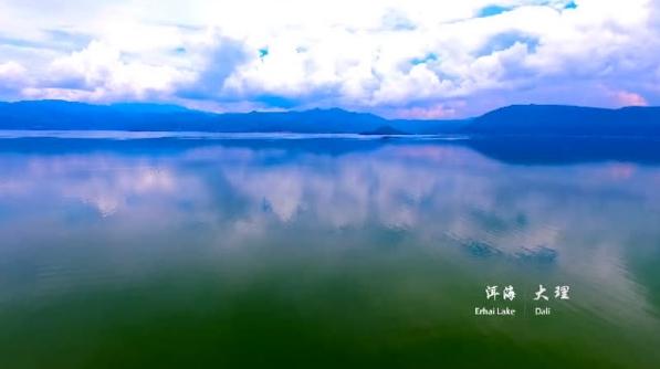 大学生花1年风雨兼程航拍中国 惊艳了所有人