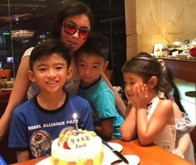 张柏芝为两个儿子保持单身:不代表我没人要