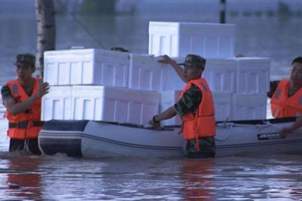 辽宁丹东强降水安置点成孤岛 1000余人被洪水围困
