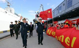 中国海军编队首次访问拉脱维亚