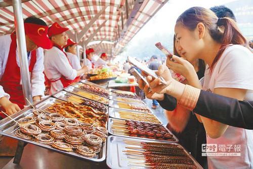 蝗虫被指成大陆人点餐新宠 火热程度不逊小龙虾