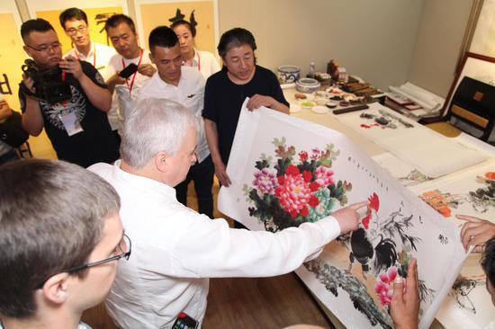 中俄文化交流画家精品展在京开幕