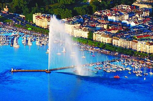 湖中喷泉尽情涂抹瑞士自然