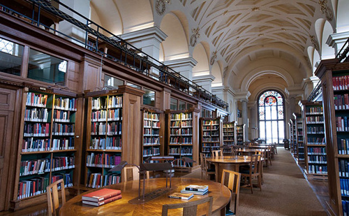 调查:英大学更愿招国外学生 或因可收较高学费