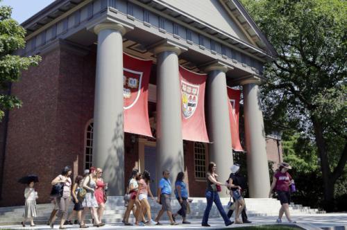 哈佛大学连续3年被控歧视亚裔 美政府这次动真格?