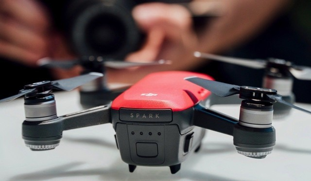 DJI Spark固件更新 航拍机可以用手势启动录影