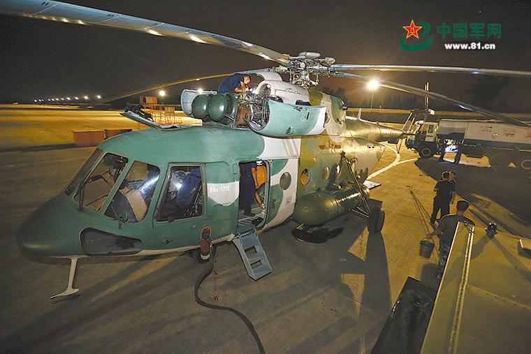 九寨沟发生7.0级地震 驻军和武警官兵投入救援