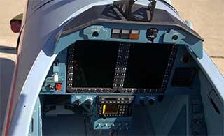 俄全新初教机座舱航电很先进